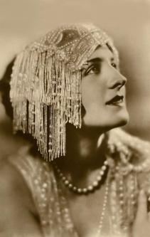 Norma Shearer hat
