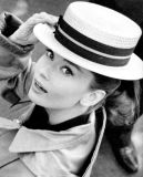 Audrey-Hepburn-In-Boater-Hat